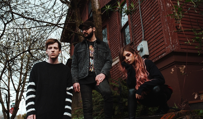 AGAINST THE CURRENT © baeth