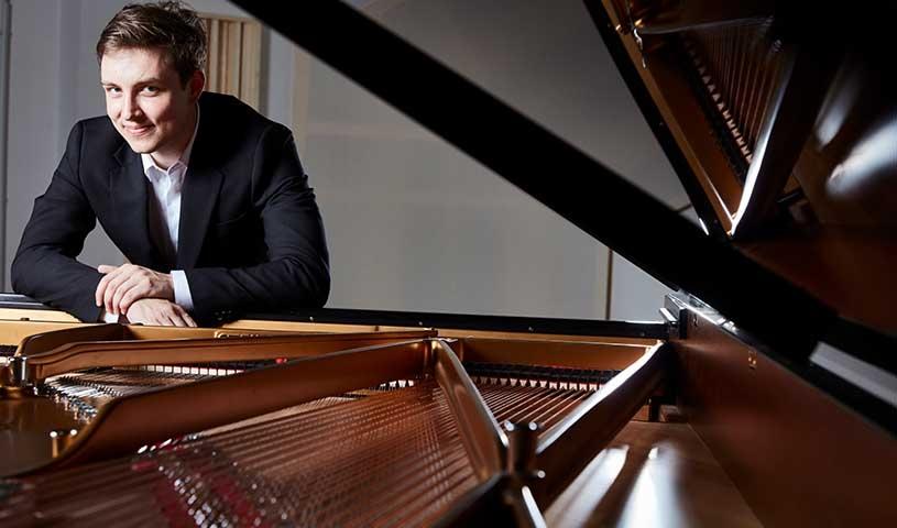 Florian Helnisch, Klavier